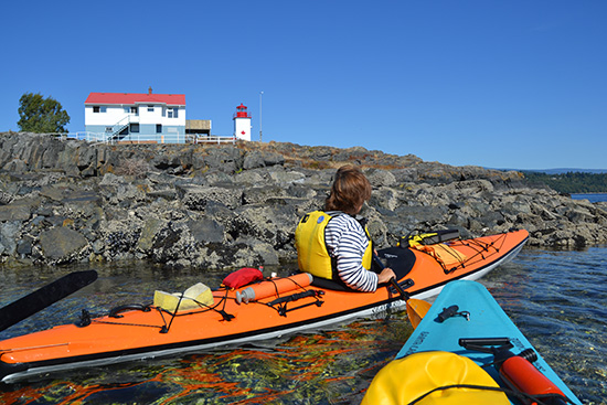 Kayaking at the Merry Island Lighthouse, Welcome Passage